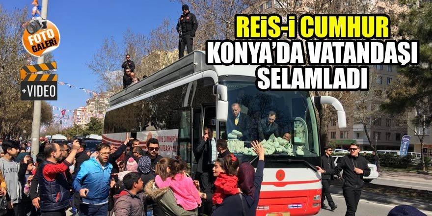 Erdoğan Konya'da vatandaşı selamladı