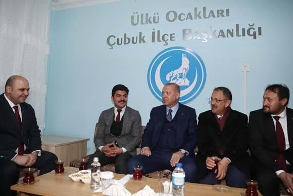 Cumhurbaşkanı Erdoğan'dan Ülkü Ocakları'na ziyaret 1