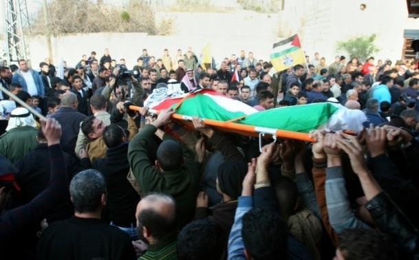 Nablus'ta cenaze törenine gaz bombalı müdahale 2