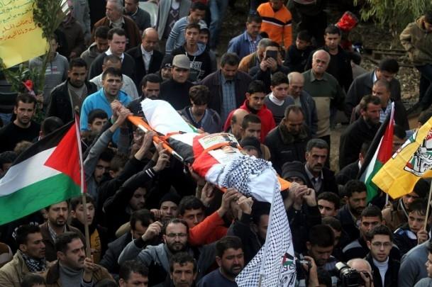 Nablus'ta cenaze törenine gaz bombalı müdahale 4