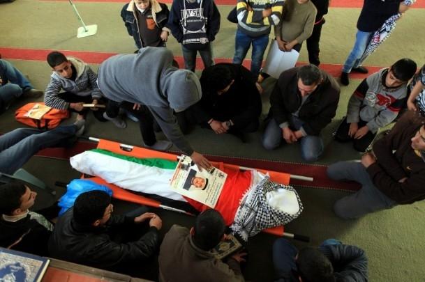 Nablus'ta cenaze törenine gaz bombalı müdahale 5