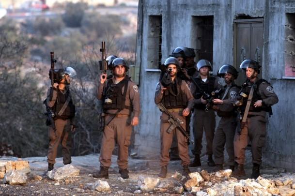 Nablus'ta cenaze törenine gaz bombalı müdahale 7