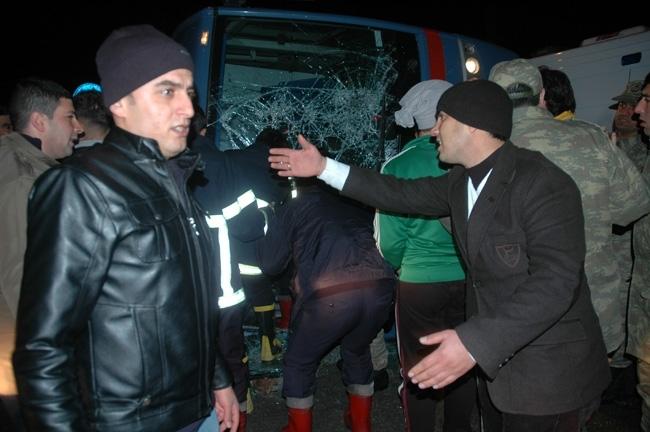 Van'da cezaevi aracı ambulans çarpıştı: 1 ölü, 12 yaralı 9
