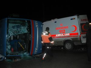Van'da cezaevi aracı ambulans çarpıştı: 1 ölü, 12 yaralı