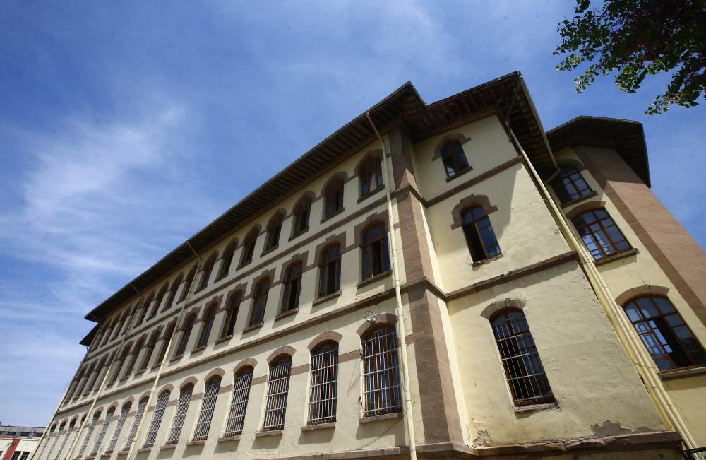 Türkiye'nin asırlık eğitim yuvası: Konya Lisesi 1
