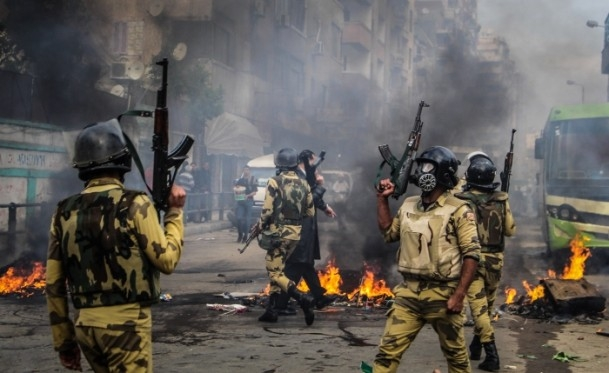 Mısır'da darbe karşıtı gösteriler 18