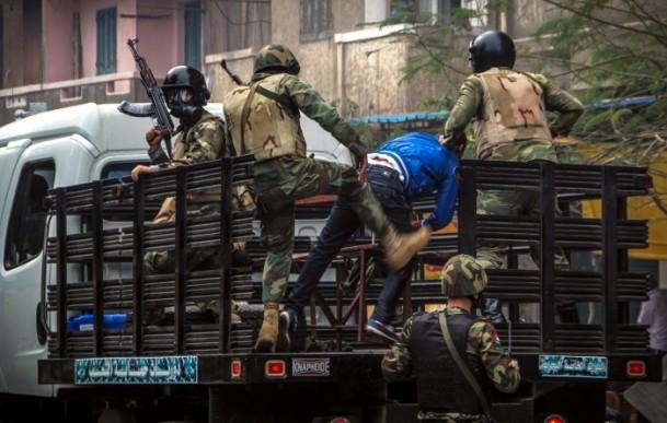 Mısır'da darbe karşıtı gösteriler 20