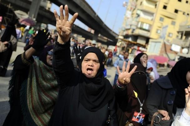 Mısır'da darbe karşıtı gösteriler 8