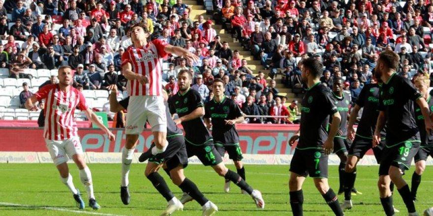 Antalyaspor-Konyaspor maçından kareler