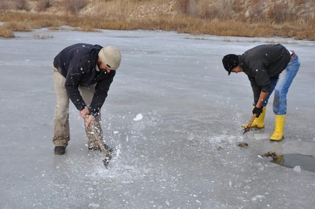 """Kızılırmak'ta """"Eskimo usulü"""" balık avı 11"""