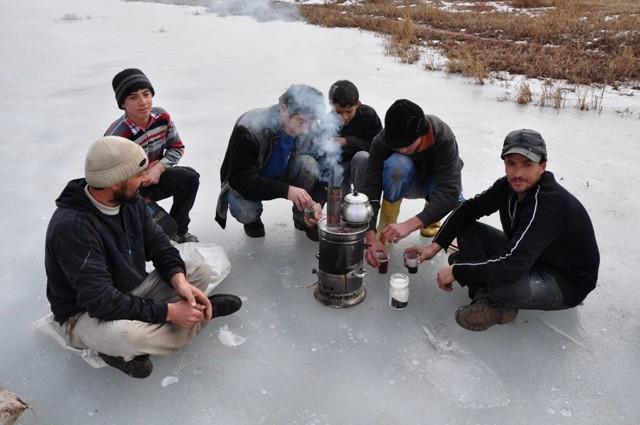 """Kızılırmak'ta """"Eskimo usulü"""" balık avı 8"""