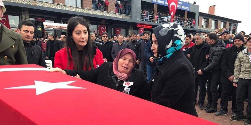 Konya'nın İdlib şehidi Bayram Olgun'u son yolculuğuna on binle