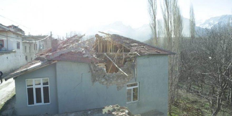 Konya'da fırtına hayatı olumsuz etkiledi