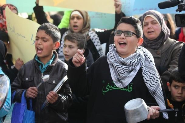 Yermuk kampındaki Filistinlilerle dayanışma gösterisi 12