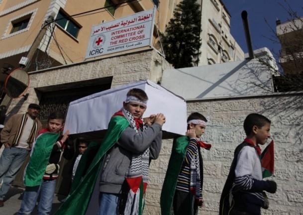 Yermuk kampındaki Filistinlilerle dayanışma gösterisi 4
