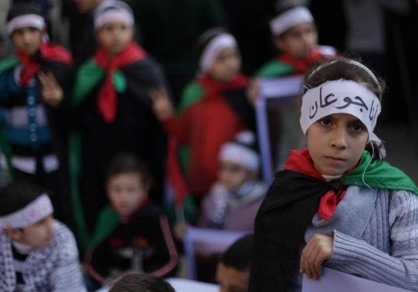Yermuk kampındaki Filistinlilerle dayanışma gösterisi 8
