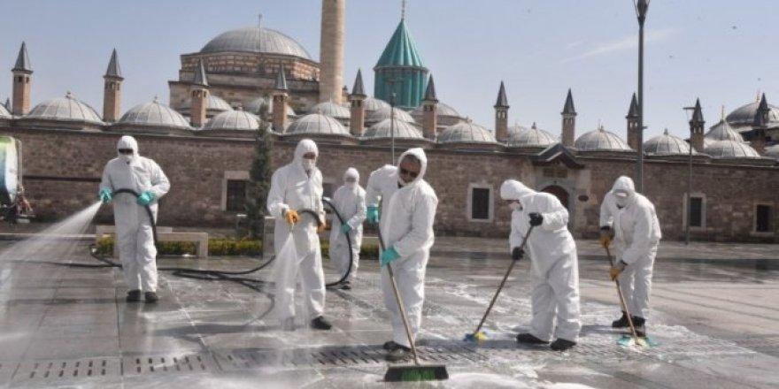 Mevlana Müzesi çevresinde koronavirüs önlemi