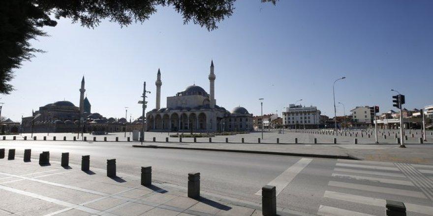 Konya'da sokağa çıkma yasağının ardından güne sessiz uyandı