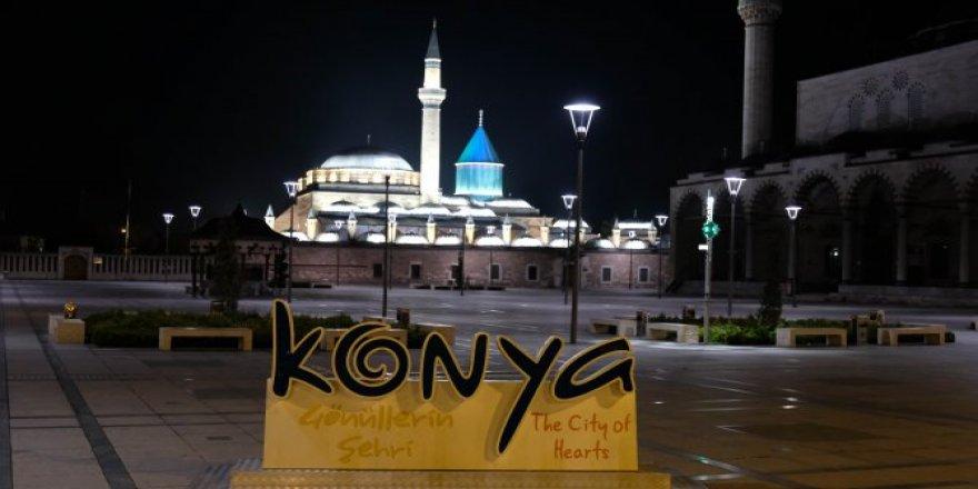 Konya'da sokaklar yeniden sessizliğe büründü