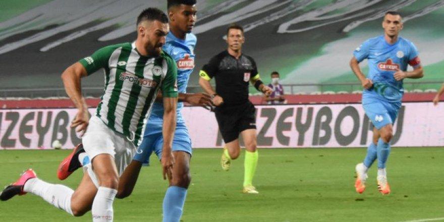 Konyaspor-Çaykur Rizespor maçından fotoğraflar