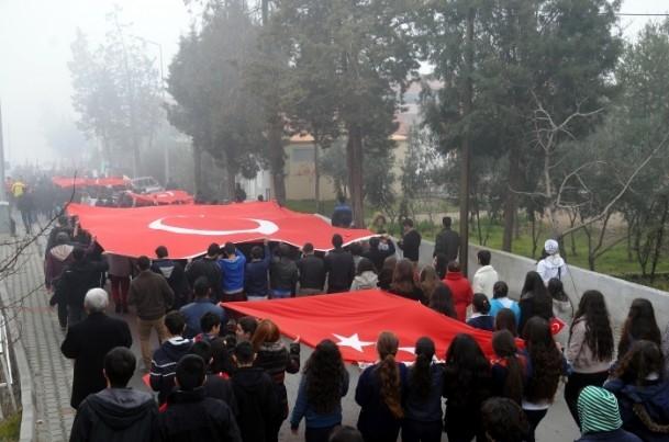 Türkiye Şehitleriyle Yürüyor 9