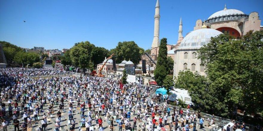 Ayasofya-i Kebir Cami-i Şerifi, 86 yıl sonra kılınan cuma namazıyla ibadete açıldı