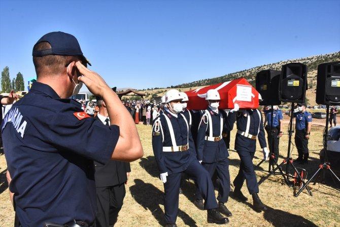 Şehit Jandarma Uzman Çavuş Konukcu son yolculuğuna uğurlandı 1