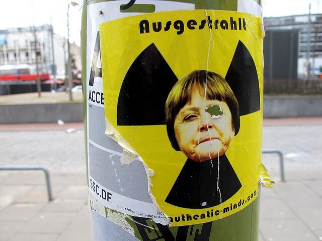 Almanya Polisi Göstericilere Canine Saldırdı 11