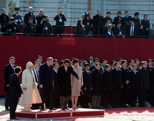 Başbakan Erdoğan Japonya'da askeri törenle karşılandı 12