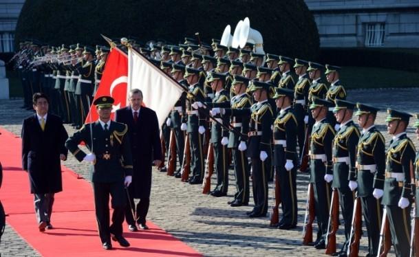 Başbakan Erdoğan Japonya'da askeri törenle karşılandı 13