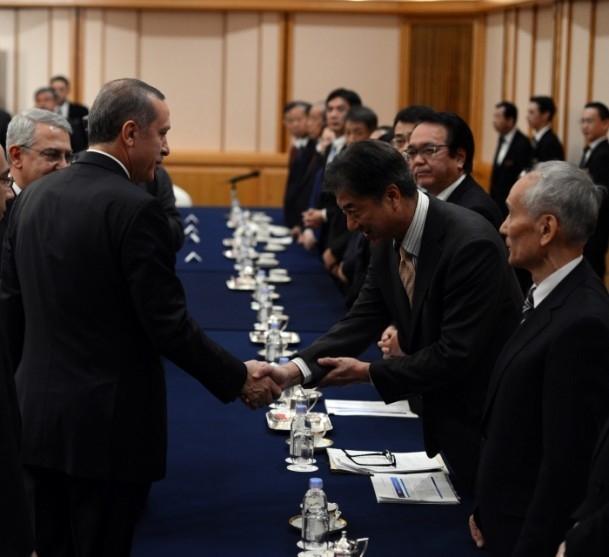 Başbakan Erdoğan Japonya'da askeri törenle karşılandı 16