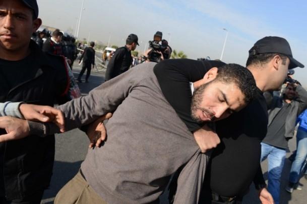 Mursi'nin yargılanması protesto ediliyor 14