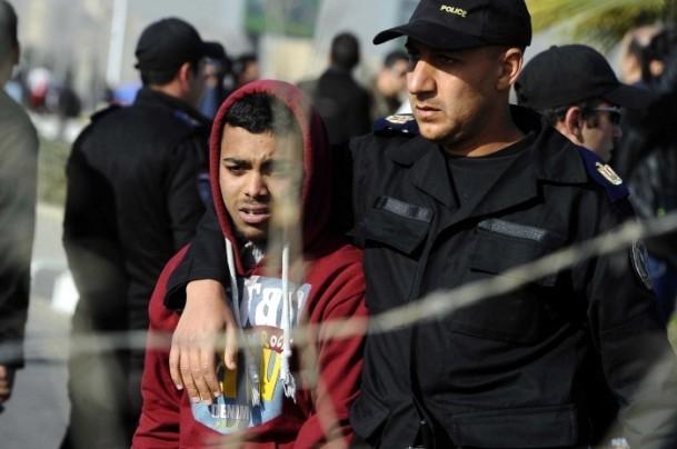 Mursi'nin yargılanması protesto ediliyor 2