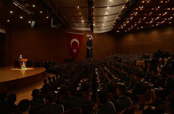Cumhurbaşkanı Gül Kara Harp Okulu'nu ziyaret etti 10