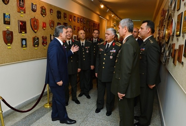 Cumhurbaşkanı Gül Kara Harp Okulu'nu ziyaret etti 12