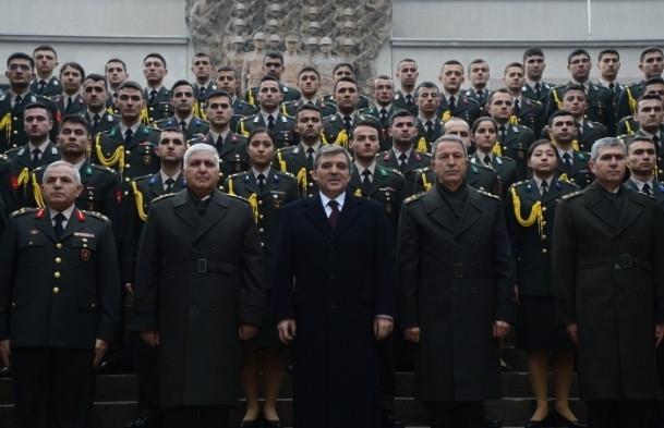 Cumhurbaşkanı Gül Kara Harp Okulu'nu ziyaret etti 17