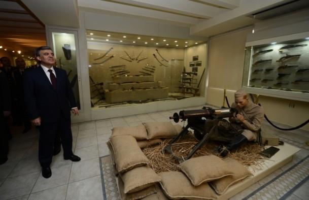 Cumhurbaşkanı Gül Kara Harp Okulu'nu ziyaret etti 6