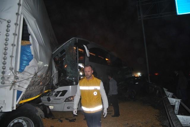 Kulu Makası'nda zincirleme trafik kazası 11