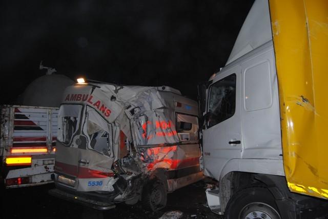 Kulu Makası'nda zincirleme trafik kazası 12