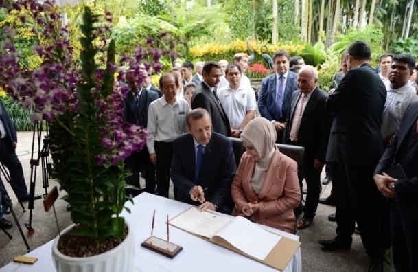 Başbakan Erdoğan ve eşinin ismi orkideye verildi 6