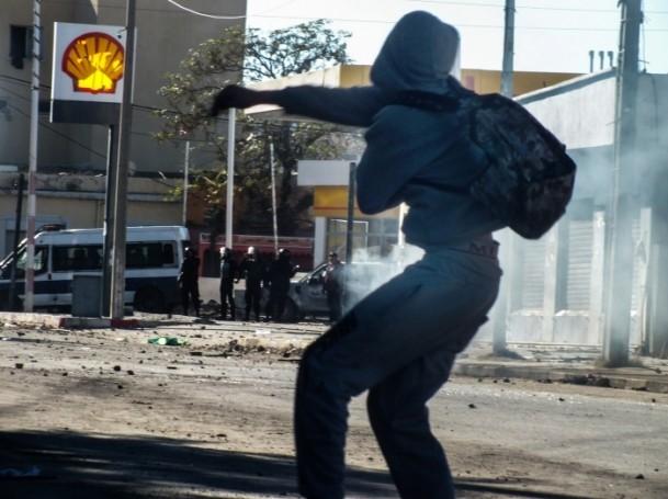 Tunus'ta vergi protestosu 1