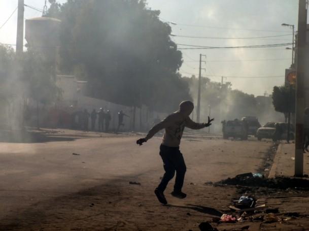 Tunus'ta vergi protestosu 4
