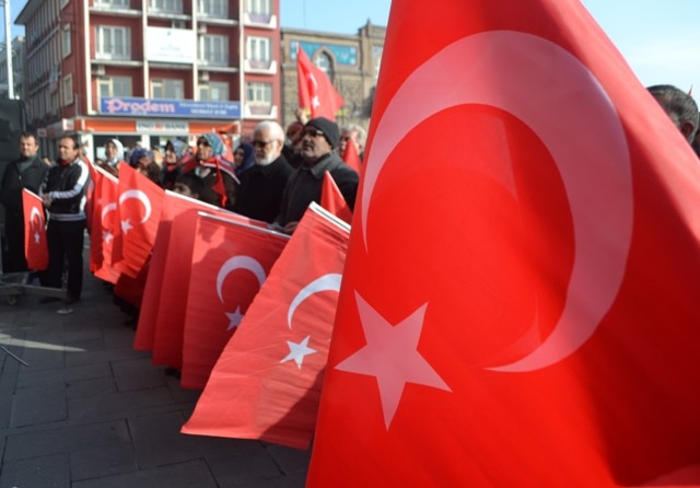 """Konya, """"Milli İrade""""ye kast edenleri telin etti... 1"""