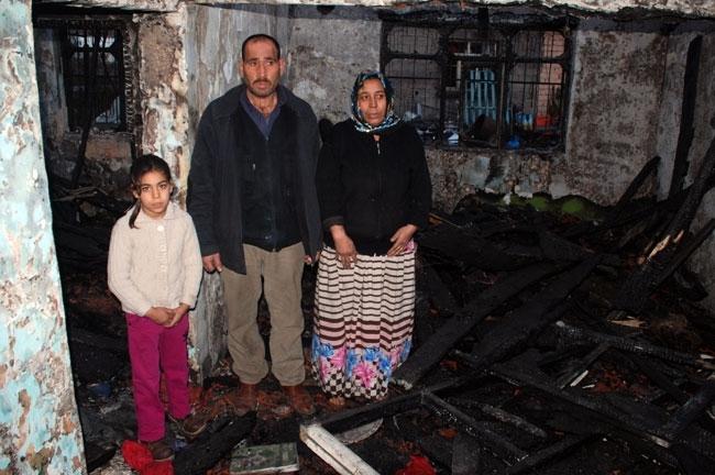 Evi yanan 13 kişilik aile kömürlükte kalıyor 4