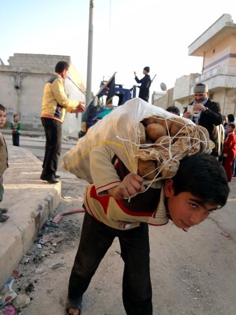 Suriye'nin patatesle mutlu olabilen yetimleri 2