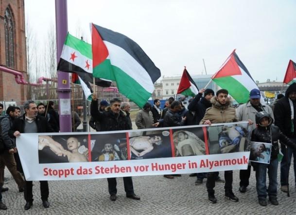 Yermuk Kampı'ndaki insani dram protesto edildi 17