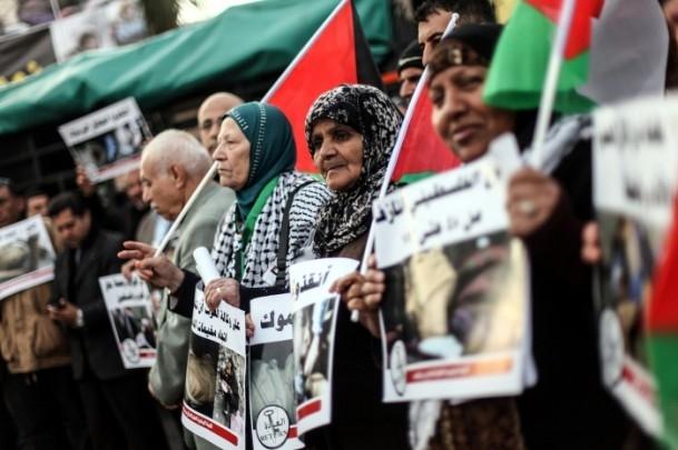Yermuk Kampı'ndaki insani dram protesto edildi 18