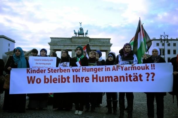 Yermuk Kampı'ndaki insani dram protesto edildi 10