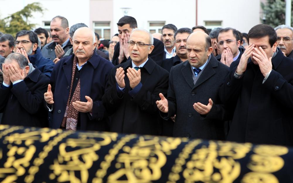 Konya Milletvekili Kabakcı'nın babasının cenaze töreni 8