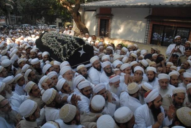 Hindistan'da cenaze izdihamı: 18 ölü 6